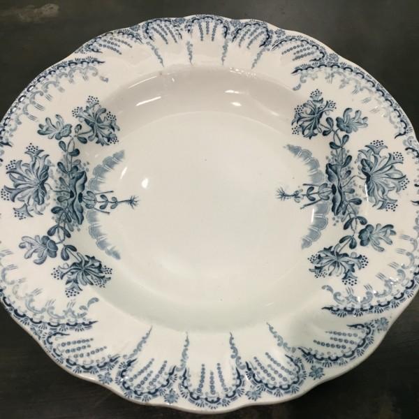 Assiette creuse decoration florale bleue