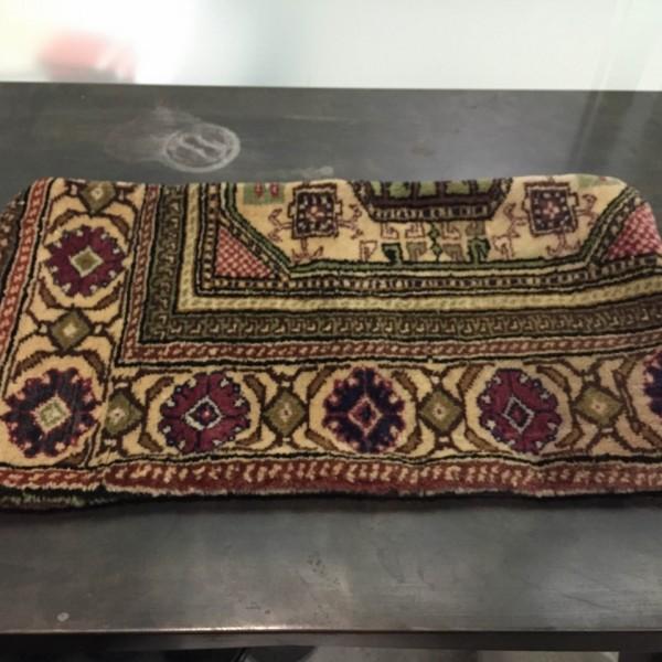 Housse de coussin en tapis turc beige