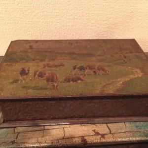 """Boîte en métal ancienne """"nature"""""""